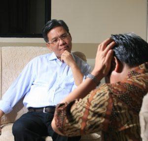 A Psicanálise trabalha com ênfase nos processos mentais inconscientes